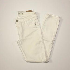 A&F • Skinny Jeans